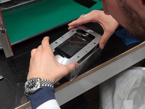 Rigenerazione-display-smartphone-collecchio-sant-ilario-d-enza
